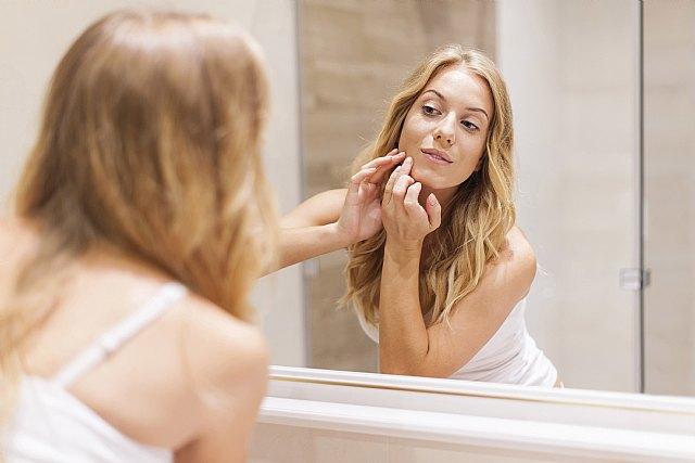 Aumenta un 30 % el acné por el uso de la mascarilla en el último año - 1, Foto 1