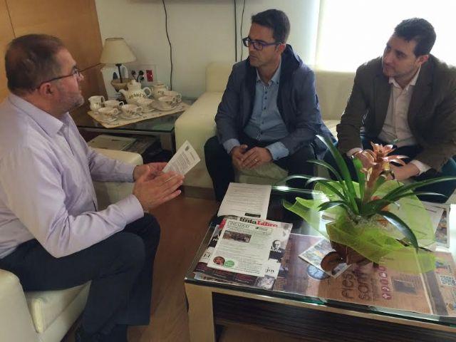 El alcalde y responsables de D´Genes se reúnen para abordar proyectos de colaboración institucional que favorezcan al colectivo, Foto 2