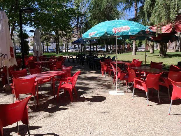 Se aprueba, por segunda vez, la licitaci�n y pliego de cl�usulas para adjudicar el contrato de explotaci�n del servicio de bar-cafeter�a del parque, Foto 2