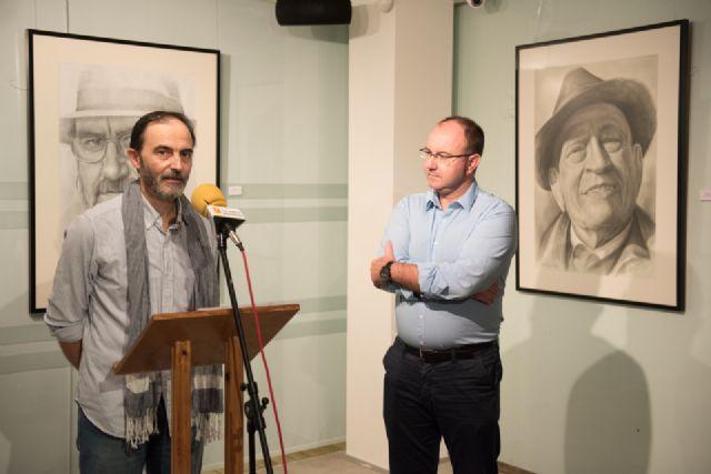 Emilio Villaescusa rinde homenaje a algunos de los rostros de personajes más populares de la región - 1, Foto 1