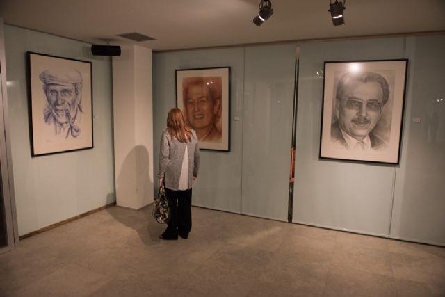 Emilio Villaescusa rinde homenaje a algunos de los rostros de personajes más populares de la región - 2, Foto 2