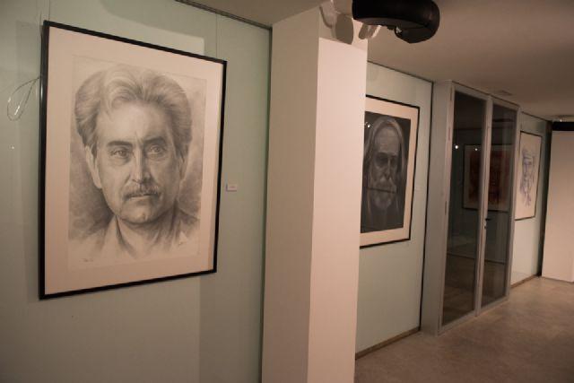 Emilio Villaescusa rinde homenaje a algunos de los rostros de personajes más populares de la región - 3, Foto 3