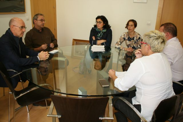 """The municipal government meets with the AMPA of the IES """"Prado Mayor"""" to discuss the construction of the fourth classroom The City plans to request an interview immediately with the General Directorate of Centers to solve the problem of mas - 2"""