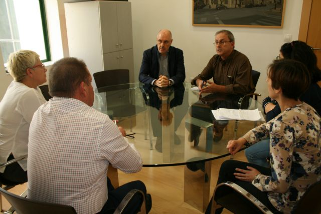 """The municipal government meets with the AMPA of the IES """"Prado Mayor"""" to discuss the construction of the fourth classroom The City plans to request an interview immediately with the General Directorate of Centers to solve the problem of mas - 3"""