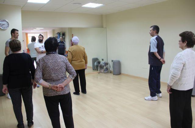 Más de 160 mayores practican gerontogimnasia en Puerto Lumbreras - 1, Foto 1