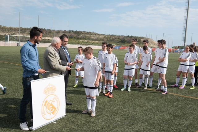 72 niños comienzan su formación en la escuela de fútbol de la fundación Real Madrid, Foto 1