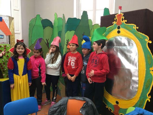 Vuelven a premiar a la biblioteca Mateo Garc�a, por tercer año consecutivo, en el XVIII Concurso de la Campaña de Animaci�n a la Lectura Mar�a Moliner, Foto 1