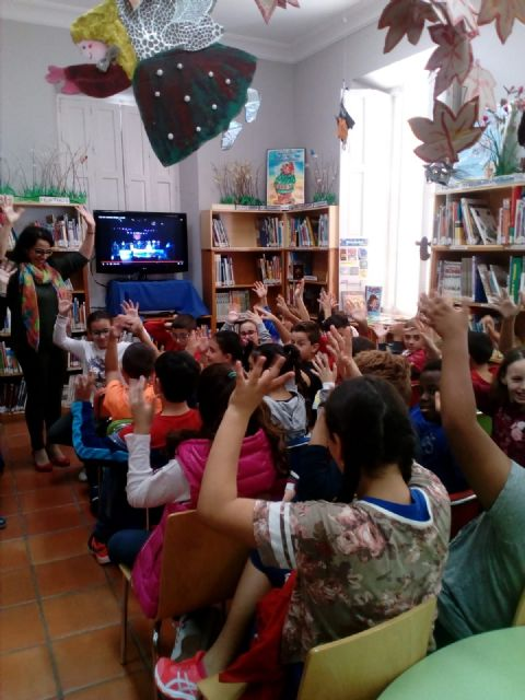 Vuelven a premiar a la biblioteca Mateo Garc�a, por tercer año consecutivo, en el XVIII Concurso de la Campaña de Animaci�n a la Lectura Mar�a Moliner, Foto 4