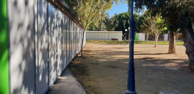 Cambiemos Murcia denuncia que aún no se han retirado las casetas de la Semana de la Ciencia y la Tecnología en el Malecón - 2, Foto 2