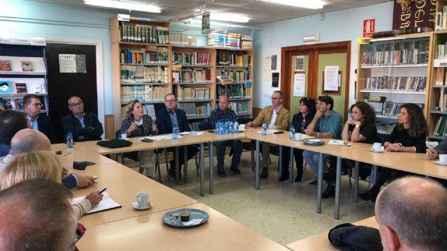 La consejera de Educación asiste a la reunión de trabajo de directores de centros educativos de la zona del Guadalentín, Foto 1