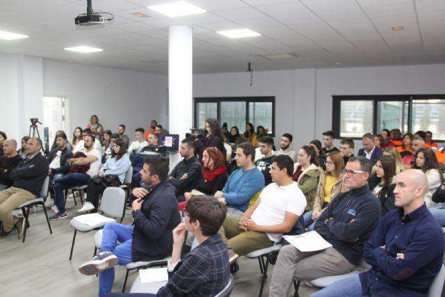 Puerto Lumbreras reúne a empresarios y emprendedores en una jornada informativa sobre ayudas y subvenciones - 1, Foto 1