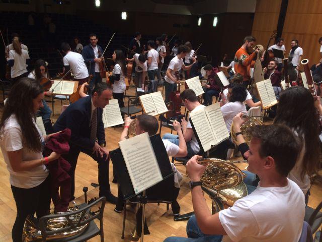 Los músicos de la Orquesta de Jóvenes de la Región de Murcia comienzan sus ensayos y talleres en el Auditorio regional, Foto 2