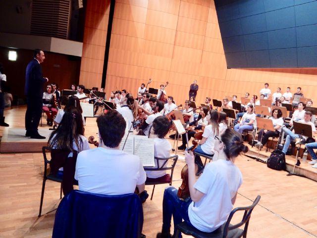 Los músicos de la Orquesta de Jóvenes de la Región de Murcia comienzan sus ensayos y talleres en el Auditorio regional, Foto 3