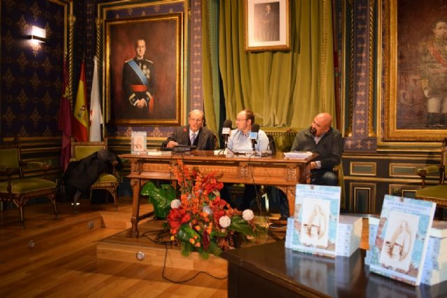 Juan Romera presenta la biografía del general mazarronero José Toral, Foto 2