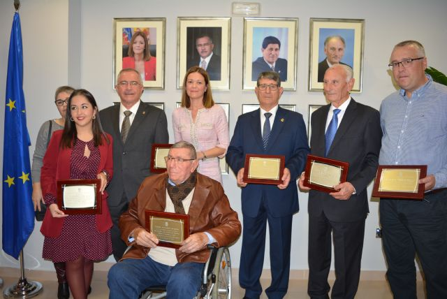 El Ayuntamiento celebra el aniversario de la Constitución homenajeando a los alcaldes de las cuatro últimas décadas - 3, Foto 3