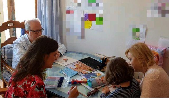 Familia impulsa la acogida de menores como alternativa a los centros de la Comunidad - 1, Foto 1