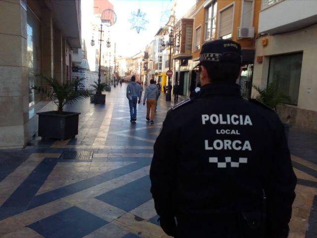 Detenido por Policía Local por agredir con un botella de vidrio a un compañero de trabajo - 1, Foto 1