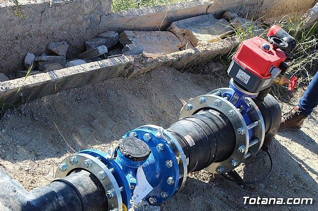 La comunidad de regantes de Totana ahorra un 10% de agua tras sustituir su canalización tradicional por una nueva tubería, Foto 4