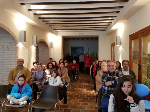 Notable asistencia de vecinos para la charla sobre el reciclaje de residuos - 2, Foto 2