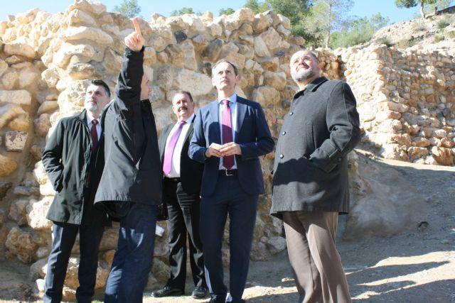 La réplica de la Casa Argárica impulsará el yacimiento arqueológico de La Bastida, Foto 3
