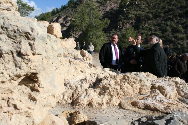 La réplica de la Casa Argárica impulsará el yacimiento arqueológico de La Bastida, Foto 4