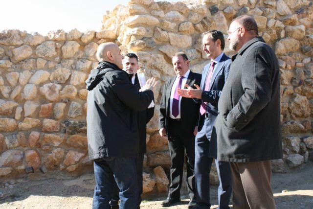 La réplica de la Casa Argárica impulsará el yacimiento arqueológico de La Bastida, Foto 5