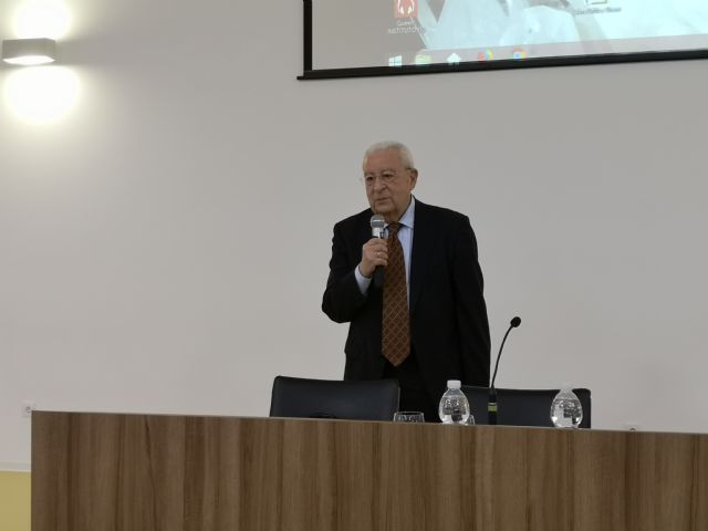 El Presidente del Consejo de la Transparencia de la Región de Murcia en el IES Francisco Ros Giner - 1, Foto 1