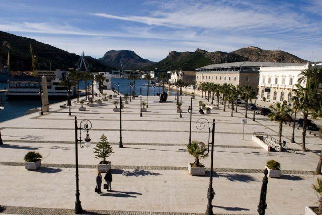 Homenaje en recuerdo de las víctimas de las rutas migratorias en el Mediterráneo - 1, Foto 1