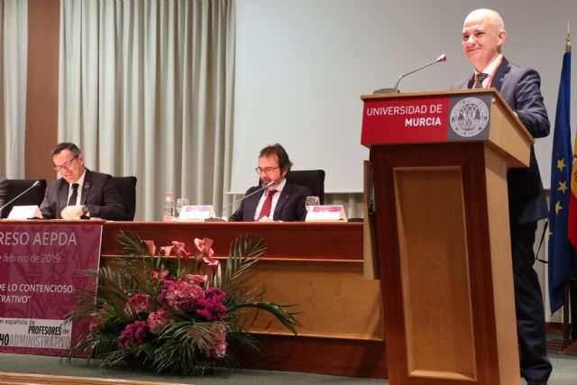 El catedrático Jesús Jordano analiza en la UMU las limitaciones que afectan a la legislación medioambiental - 2, Foto 2