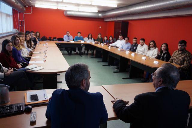 El programa UMU Business Talent es un programa pionero a nivel nacional de integración de la realidad empresarial en los grados del ámbito de la Economía y la Empresa, Foto 1