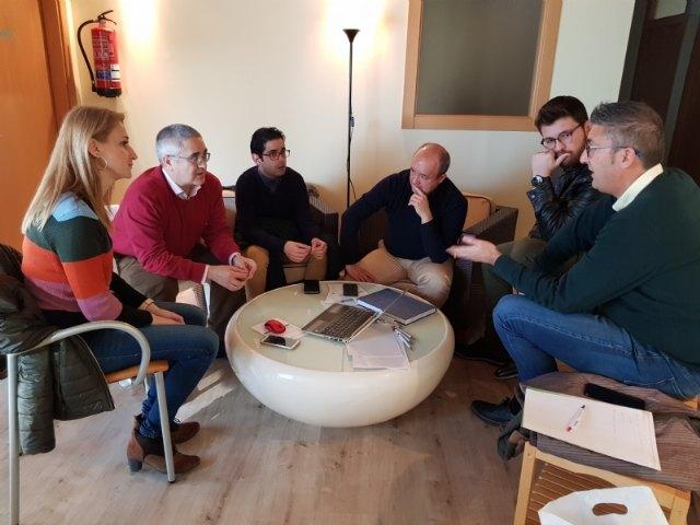 El Gobierno local se reúne en León con el consultor Antonio Freire para definir el nuevo centro termal de Alhama - 2, Foto 2