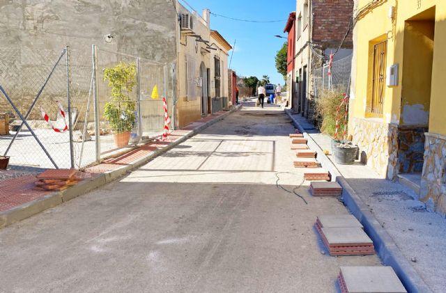 Se inician las obras de renovación de aceras y asfaltado del paraje de Los Risos - 2, Foto 2