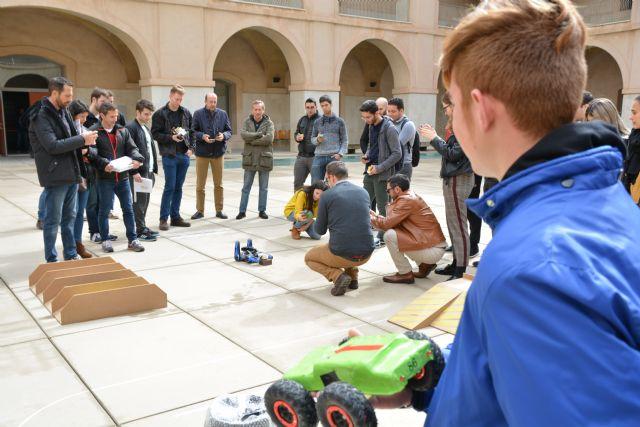 Alumnos de un instituto de Alhama sorprenden con su ingenio en la prueba de carduinos de la UPCT, Foto 1