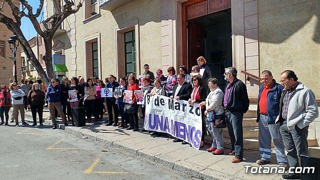 Autoridades del Gobierno municipal participan en el acto de apoyo a la huelga general parcial convocada por UGT y CCOO, con motivo del Día Internacional de la Mujer, Foto 1