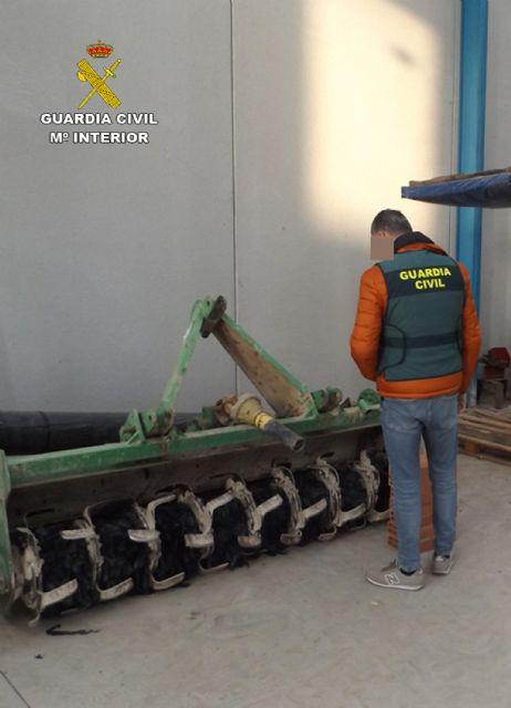 La Guardia Civil detiene en Alhama de Murcia a un agricultor por sustraer aperos de labranza, Foto 3