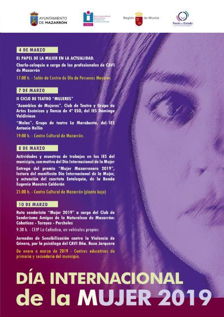 Entrega del premio mujer mazarronera, lectura del manifiesto y ruta senderista en los actos del 8m, Foto 1