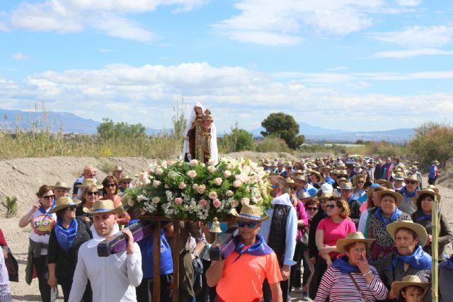 La nueva imagen de la Virgen del Carmen llega a su ermita rodeada por sus fieles seguidores - 1, Foto 1