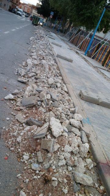 Renuevan por completo la red de riego del arbolado existente en el recinto ferial, Foto 2