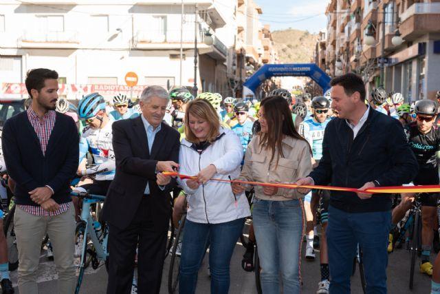 200 ciclistas compiten en la X vuelta a Murcia máster celebrada en Mazarrón, Foto 1