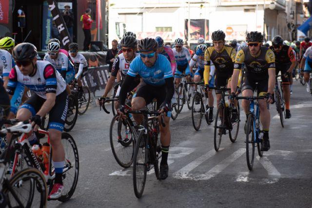 200 ciclistas compiten en la X vuelta a Murcia máster celebrada en Mazarrón, Foto 4