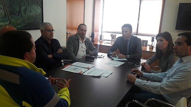 """El Alcalde se reúne con la Cooperativa Ambulancias de Lorca y destaca su """"ejemplar contribución a la creación de empleo de calidad en nuestra comarca durante 30 años"""" - 1, Foto 1"""