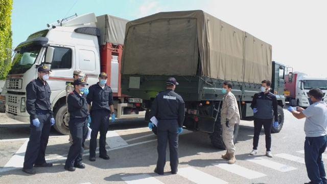 La Delegación del Gobierno coordina con el Ejército de Tierra y la Armada el reparto de sesenta toneladas de alimentos de Cáritas a diversas localidades de la Región de Murcia, Foto 2