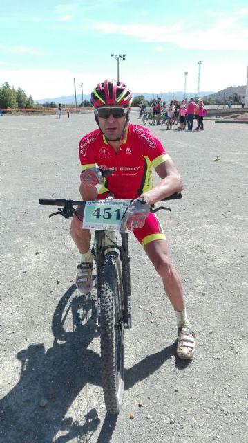 Francisco Cánovas, del CC Santa Eulalia, finaliza 3° m45 en la general final del circuito btt montañas alicantinas, Foto 4