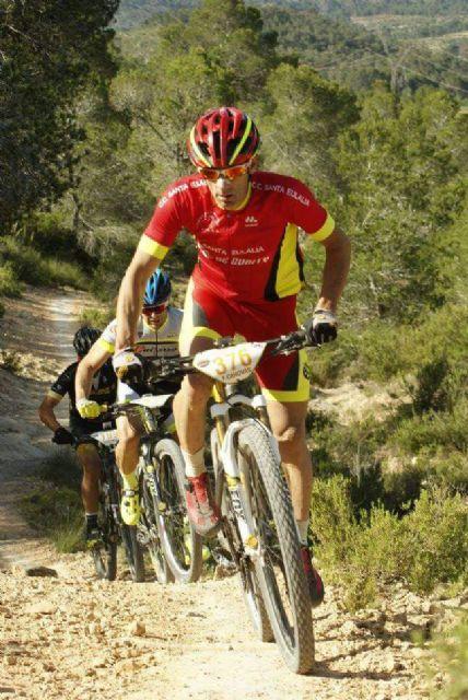 Francisco Cánovas, del CC Santa Eulalia, finaliza 3° m45 en la general final del circuito btt montañas alicantinas, Foto 8