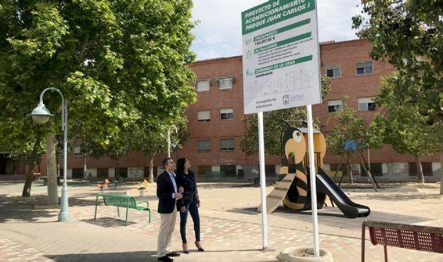 El Ayuntamiento moderniza los parques de Juan Carlos I y El Azarbe e instala nuevas zonas de juego - 1, Foto 1