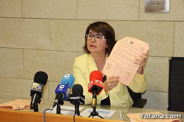El PP denuncia que el alcalde gasta casi 9 millones de euros más de los que ingresa en un año, Foto 1