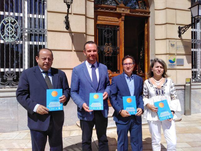 La UCAM y el Puerto de Cartagena editan una guía de buenas prácticas en la incorporación de clausulas sociales en la contratación pública - 1, Foto 1