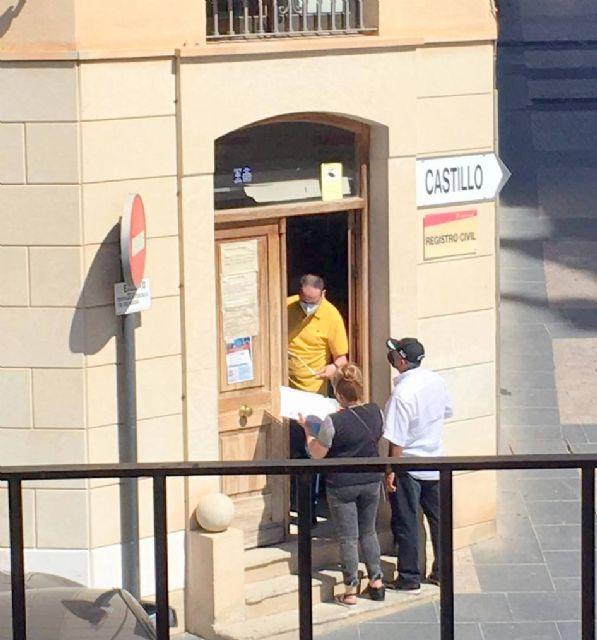 IU exige acabar con colas, esperas, falta de atención y medidas excepcionales en Servicios Sociales y Aguas de Lorca - 1, Foto 1