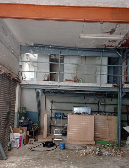 La Concejalía de Urbanismo inicia expediente sancionador por la construcción de habitaciones ´nicho´ en el garaje de una vivienda que alquilaban a trabajadores inmigrantes - 2, Foto 2