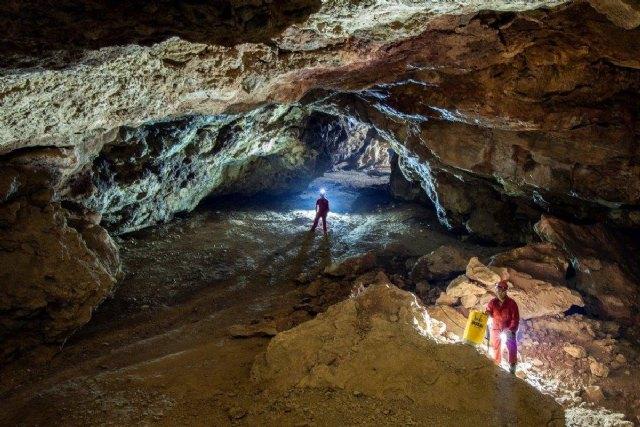 El Ayuntamiento colabora con la Universidad de Barcelona para reanudar las excavaciones paleontológicas en Cueva Victoria - 1, Foto 1
